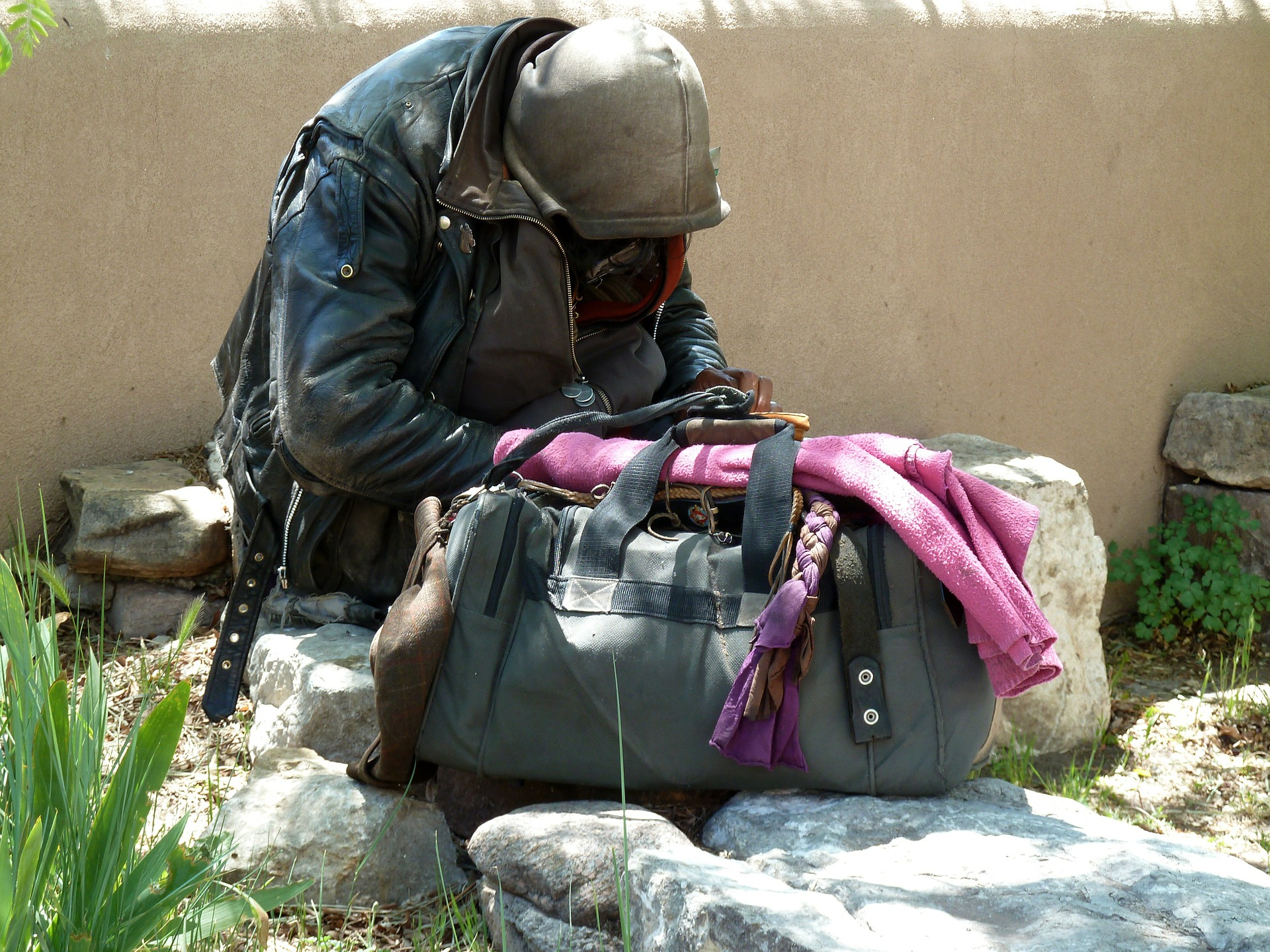 別人向你借錢時,該怎麼應對才可以幫助對方又不失禮貌呢?